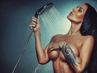 Совместный душ с массажисткой.