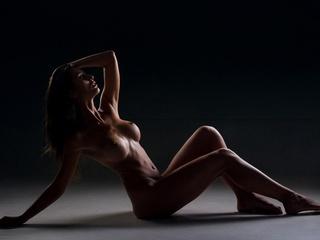 Стриптиз в салоне эротического массажа.
